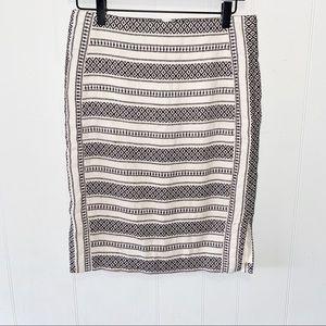 LOFT Cream/Black Patterned Stretch Pencil Skirt